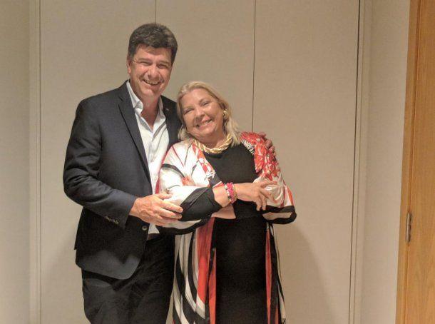 Elisa Carrió en Montevideo junto a Efraín Alegre, candidato a presidente de Paraguay. (<a href=