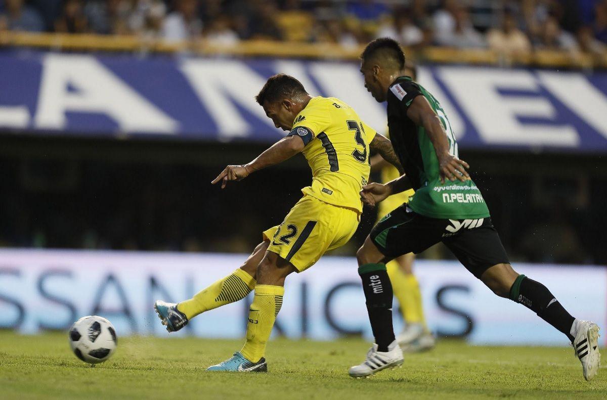 Tevez marcó un gol ante San Martín.