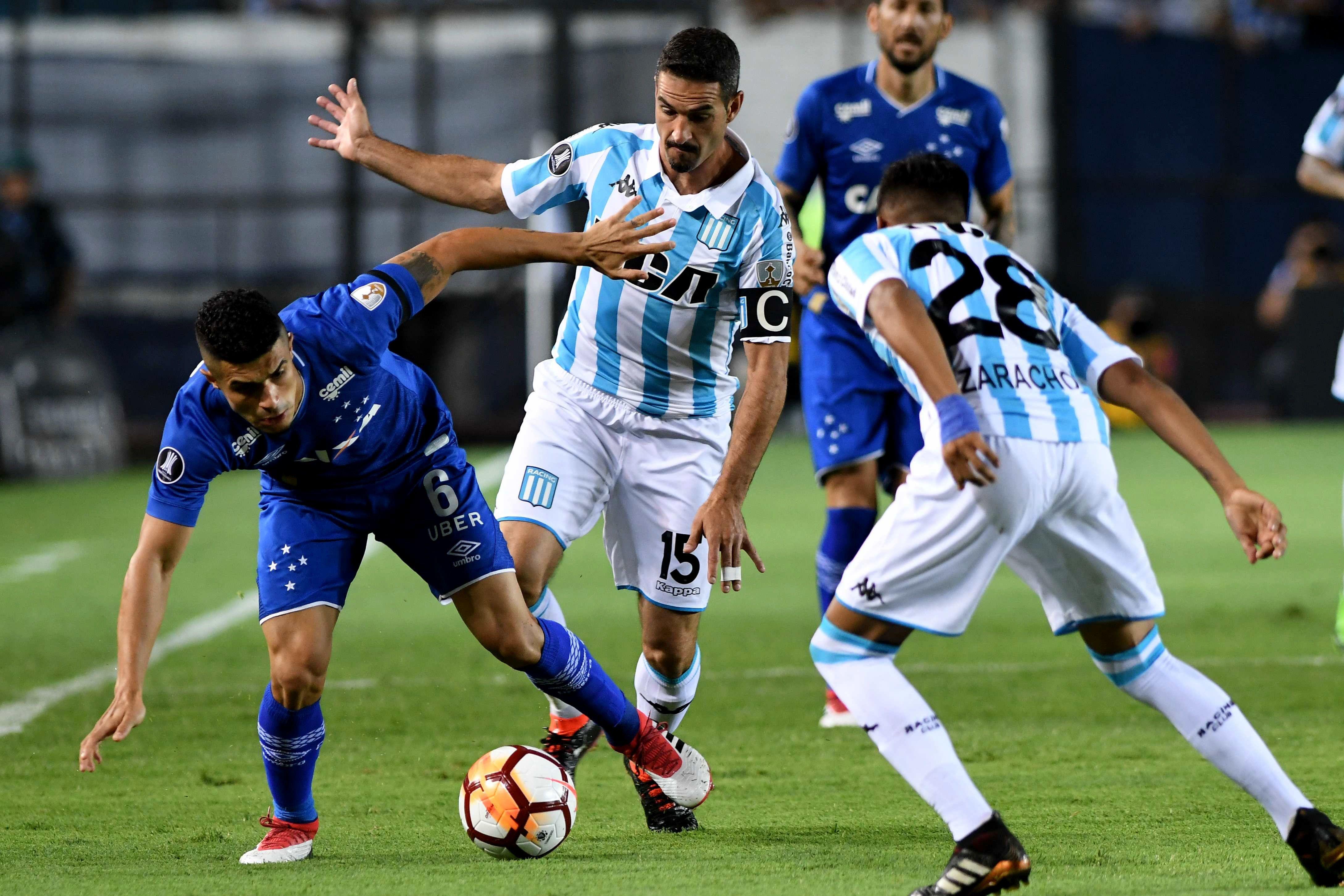 Racing y Cruzeiro en el Cilindro de Avellaneda