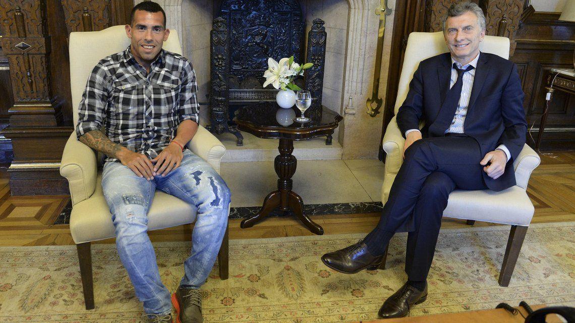 Carlos Tevez y Mauricio Macri