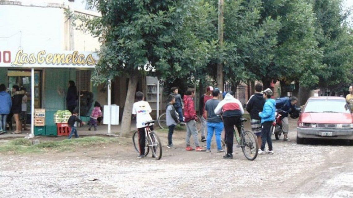 Neuquén: vecinos echaron del barrio a un chico que violó a dos menores