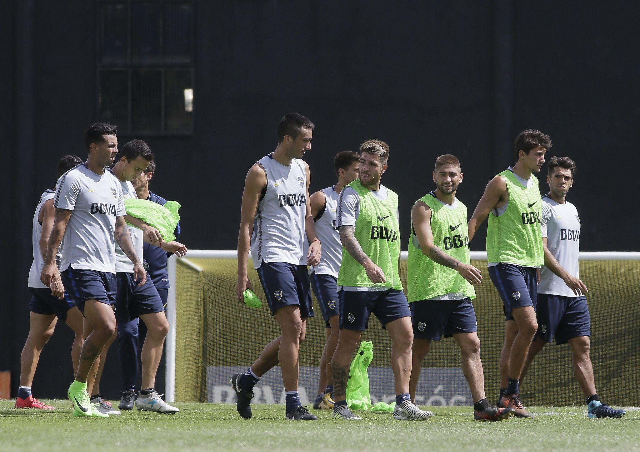 ¿Quién juega? Boca viaja a Perú sin dos titulares y con mucha incertidumbre