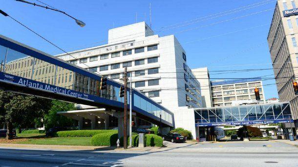 Médicos del Atlanta Medical Center hallaron una bala en el cráneo de una mujer.