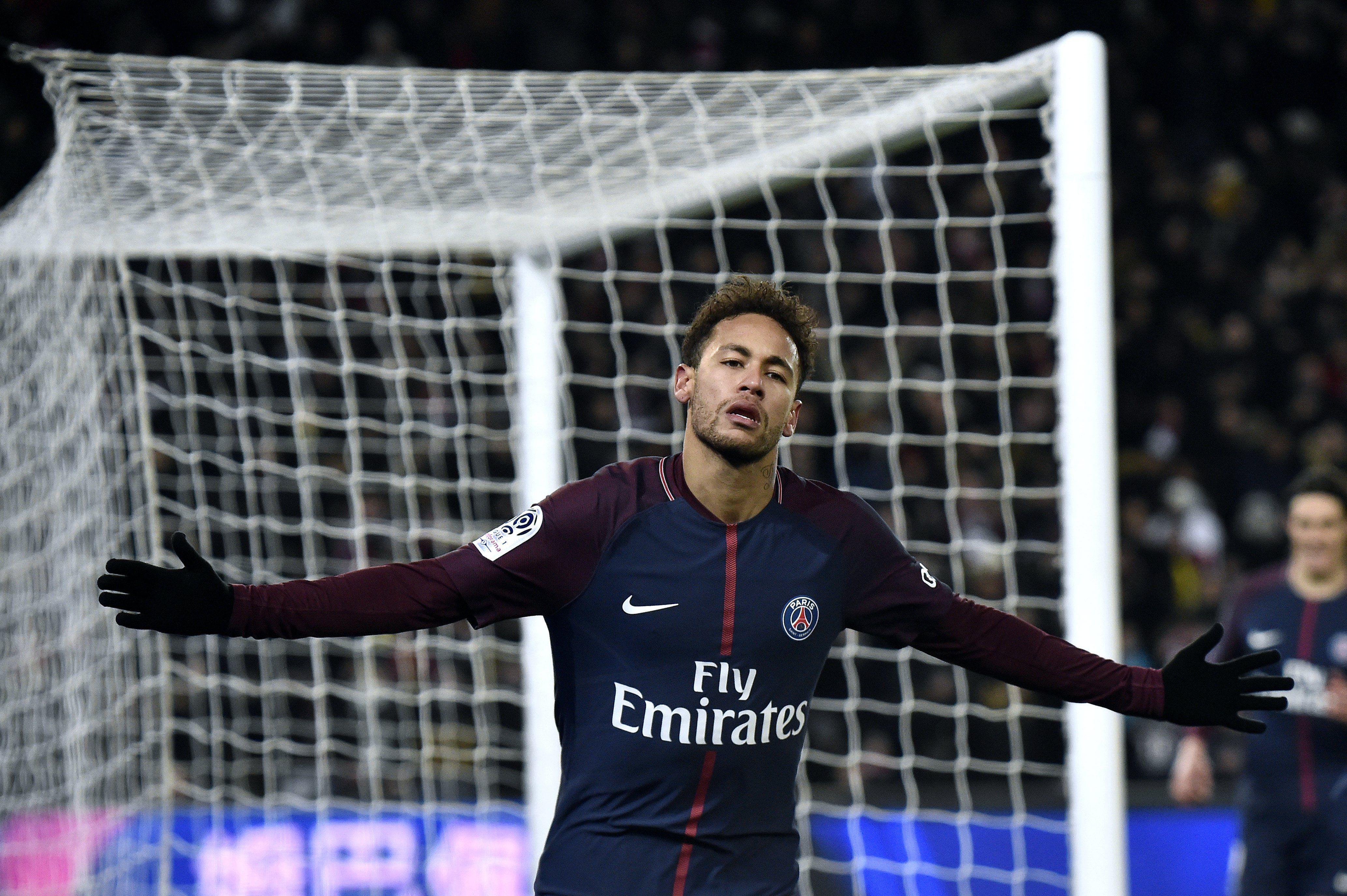 Fin del misterio: Neymar llegó a Brasil para operarse y estará dos meses sin jugar