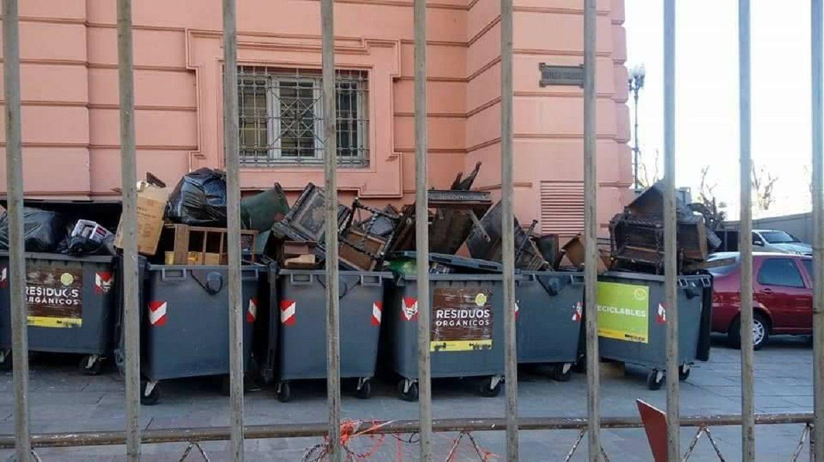 Explicaron Por Qu Arrojaron A La Basura Muebles Hist Ricos De La  # Muebles Nestor Rodriguez