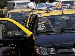 los taxis portenos deberan usar aplicaciones, taximetros digitales y aceptar tarjeta de credito