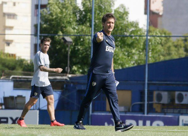 Guillermo Barros Schelotto en la práctica de Boca - Crédito: Facebook Boca