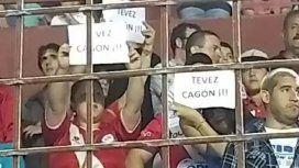 En La Paternal insultaron a Tevez con el hit del verano