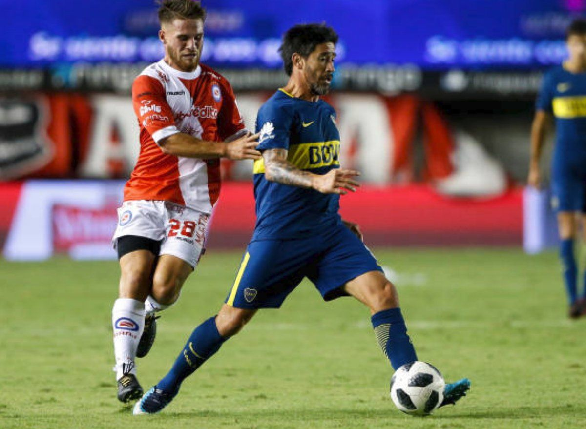 Pablo Pérez volvió a jugar y fue amonestado
