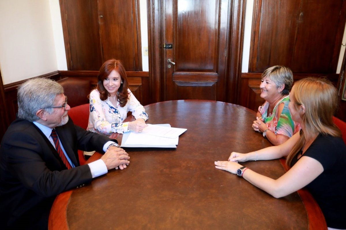 Cristina Kirchner presentó un proyecto para que los funcionarios no puedan tener una offshore