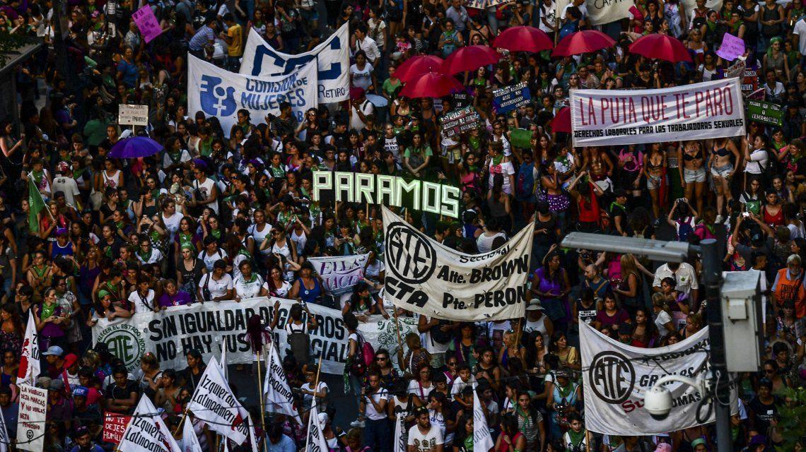 #8M: Multitudinaria marcha por el Día Internacional de la Mujer