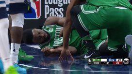 Horror en la NBA: un jugador casi se desnuca luego de una volcada