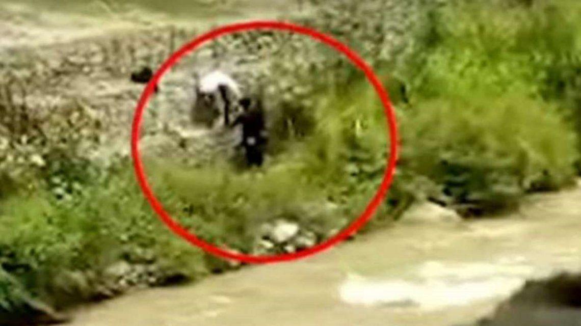 Roban a una pareja que tenía relaciones sexuales al costado de un río