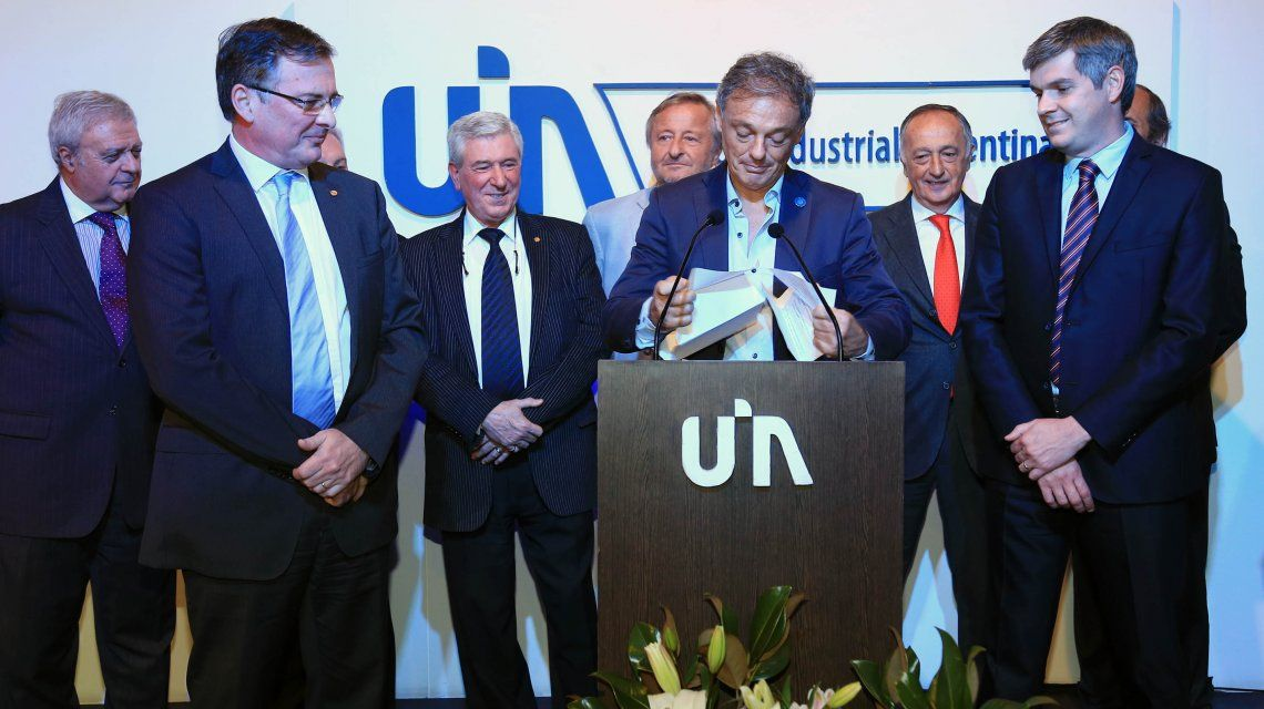 Francisco Cabrera y Marcos Peña recibirán a la UIA