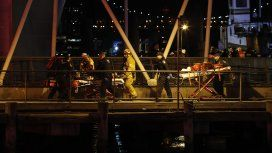 El helicóptero cayó al río Este en Nueva York.