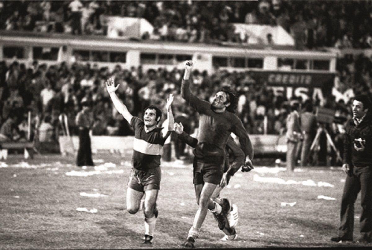 Del gol fantasma del 76 al codificado de hoy: la final de Boca y River, 42 años después