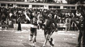 Del gol fantasma del 76 al codificado de hoy: la final de Boca y River