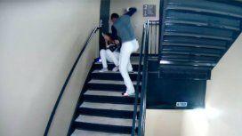 Vasquez molió a golpes a su mujer en un episodio que quedó registrado por una cámara de seguridad