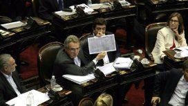 Rossi a Peña: La ética de su gobierno es tan invisible como el crecimiento económico