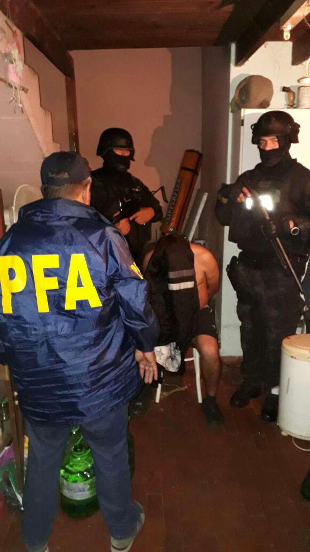 Fuerzas de seguridad ingresaron al domicilio del hombre