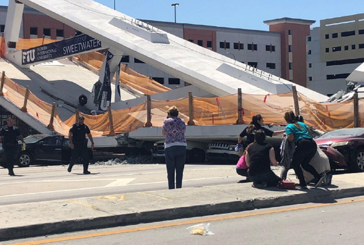 Miami: un puente recién inaugurado se derrumbó y hay varias personas muertas