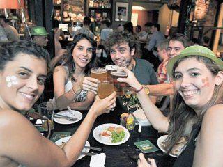 a horas de los festejos por san patricio, clausuran cinco cervecerias en palermo