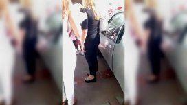 La jueza trató con dureza a la familia de la chica mientras la pequeña lloraba a gritos