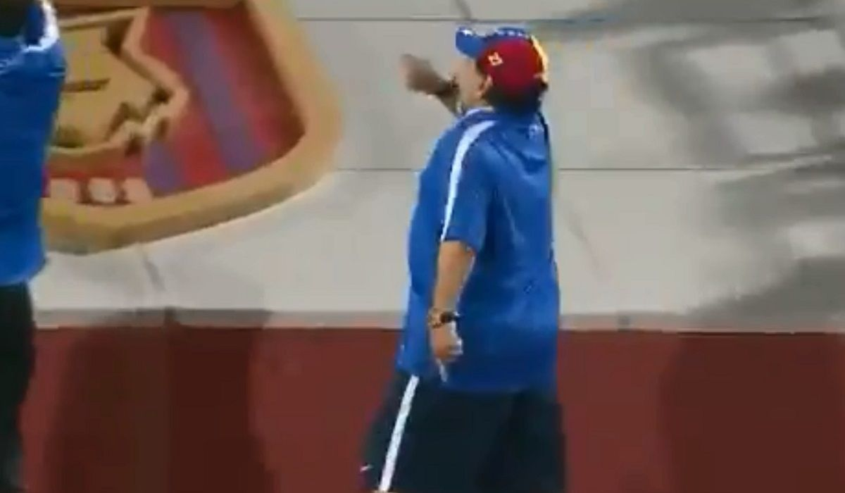 Diego Maradona enfrentó a hinchas deal Fujairah