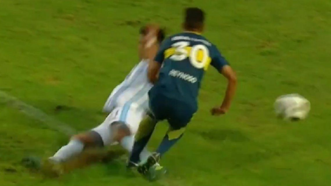 VIDEO: ¡Imposible no verlo! A Boca no le cobraron un penal clarísimo