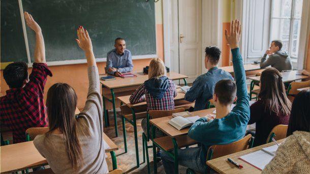 Sólo dos de cada diez estudiantes secundarios tienen educación sexual en la Ciudad y la Provincia.