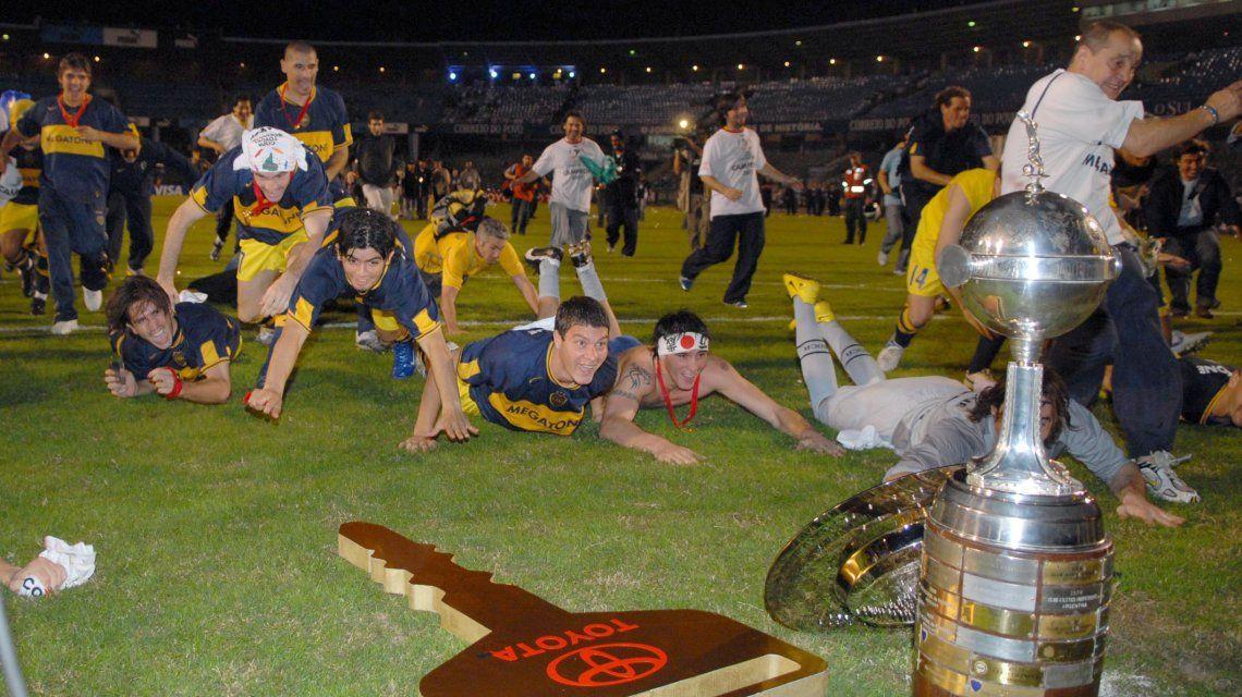 Sebastián Battaglia encabeza el festejo por la Copa Libertadores 2007