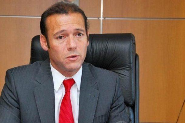 Omar Gutiérrez busca firmar convenio para facturar a Chile las prestaciones de sus ciudadanos en Villa La Angostura.