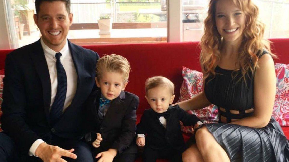 Luisana Lopilato y Michael Bublé con sus hijos varones