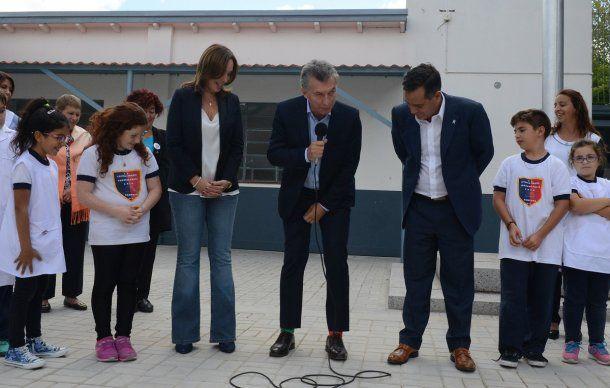 Macri usó medias de diferente color por el Día Mundial del Síndrome de Down<br>