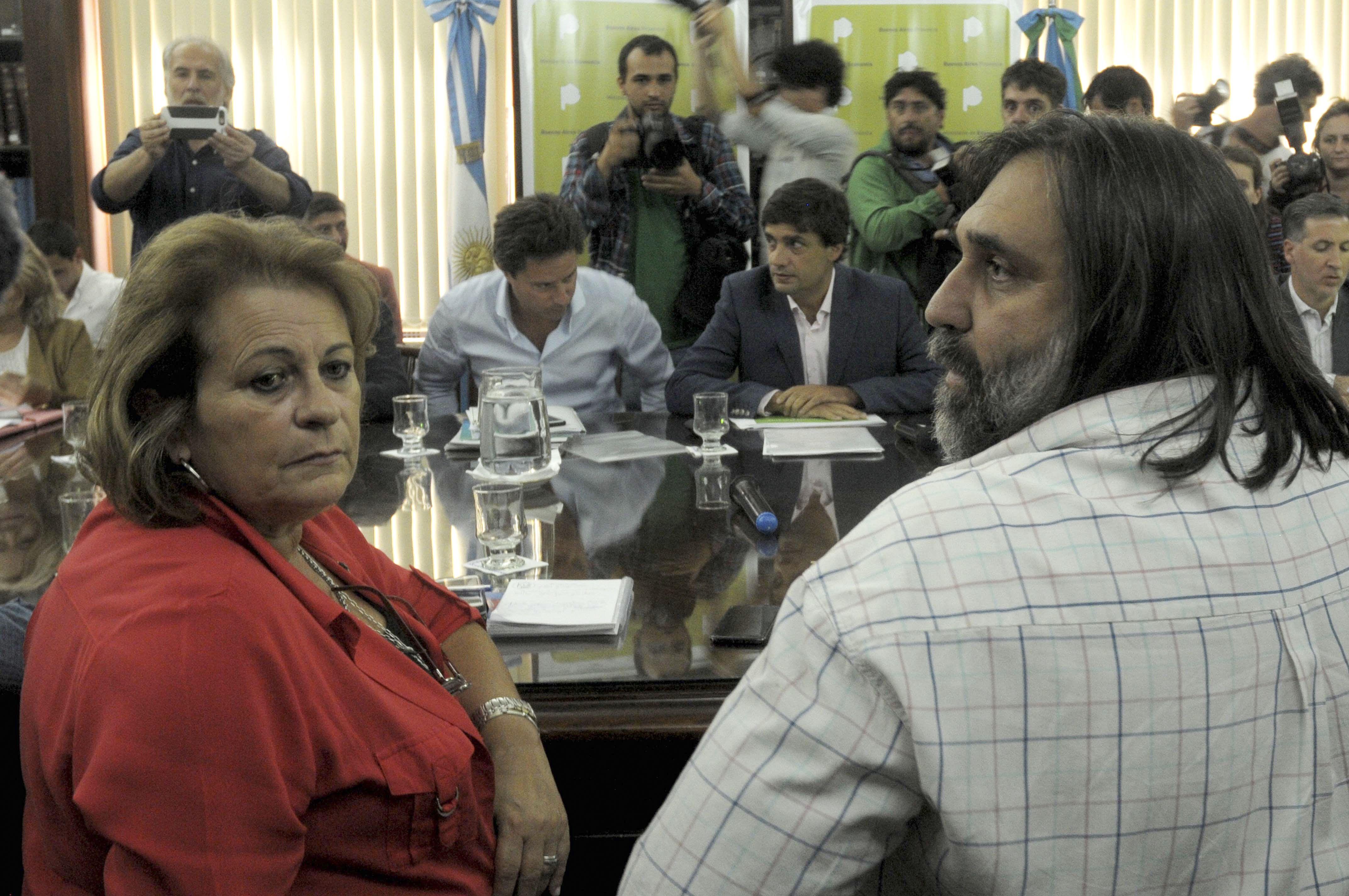 Baradel y Petrocini en la paritaria docente bonaerense.