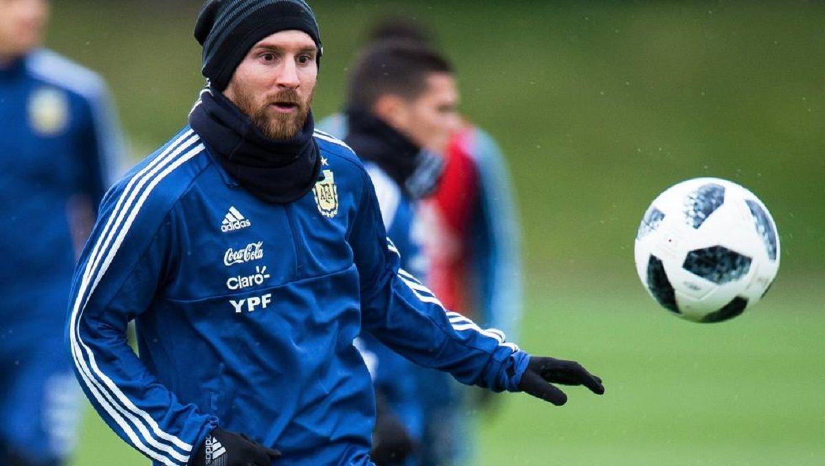 Messi entrenando en la gira de marzo previa al Mundial de Rusia 2018