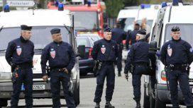 Francia: la policía abatió al terrorista que hizo una toma de rehenes en un supermercado