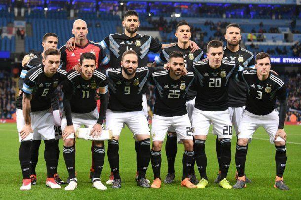 <p>El equipo que le ganó a Italia en Manchester</p>