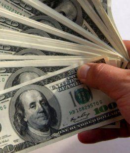 El dólar abrió la semana estable y sin cambios significativos