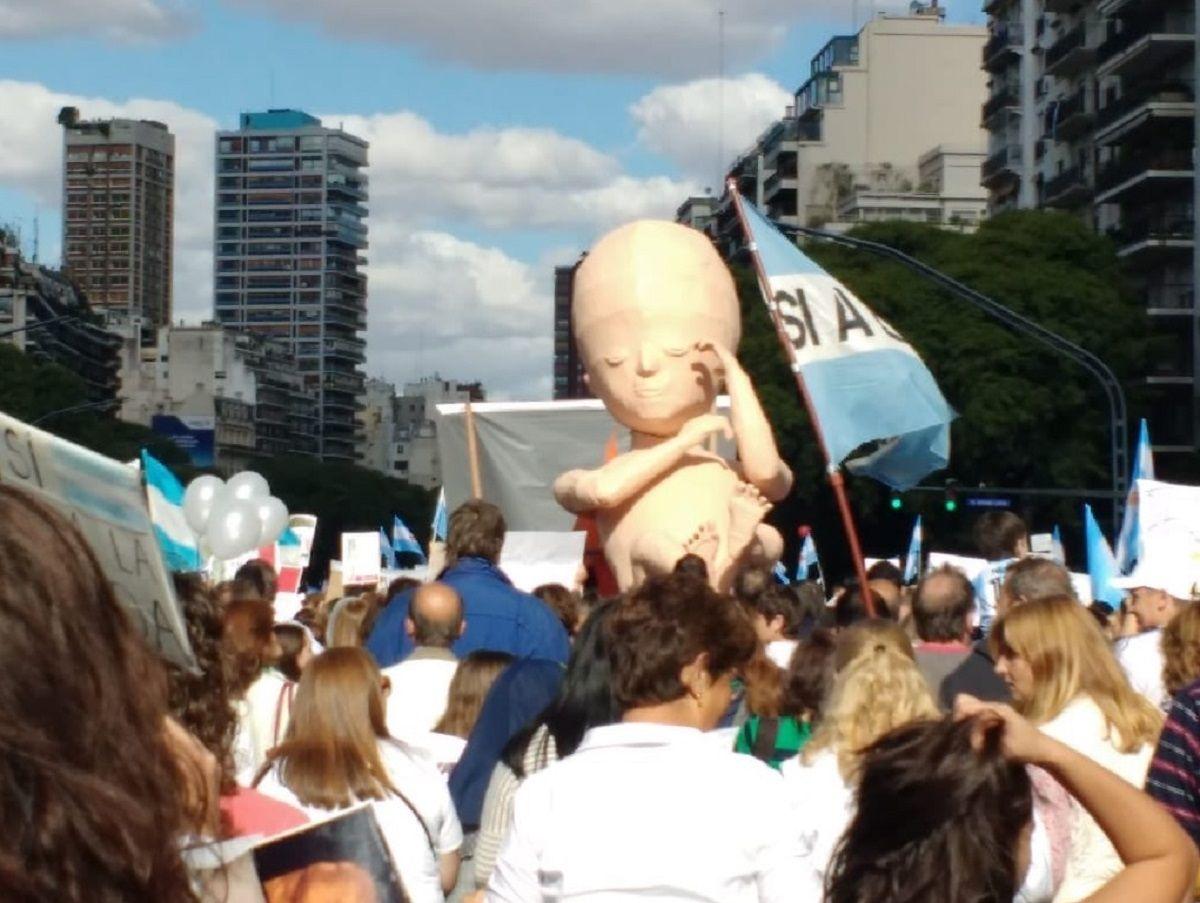 Marcha contra el aborto - Crédito:@mercedesninci1