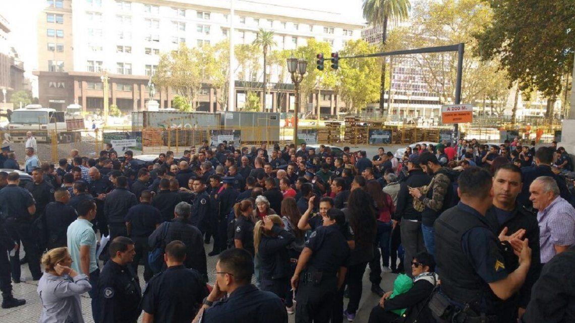Es sólo el comienzo: policías de la Federal protestan contra el traspaso a la Ciudad