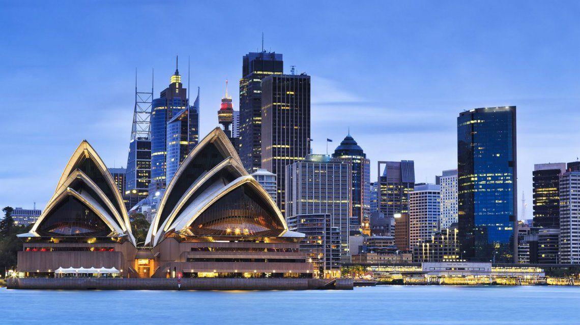 El error de la aerolínea United: ofreció vuelos baratísimos a Sidney y tuvo que cancelarlos
