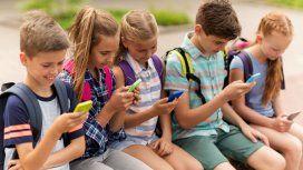 Los niños y el celular, una de las grandes problemáticas a la que se enfrentan los padres de hoy