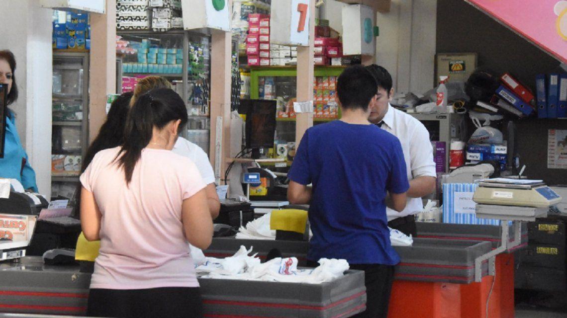 Fin de semana extra largo y posible paro bancario: cómo retirar dinero en efectivo sin utilizar los cajeros