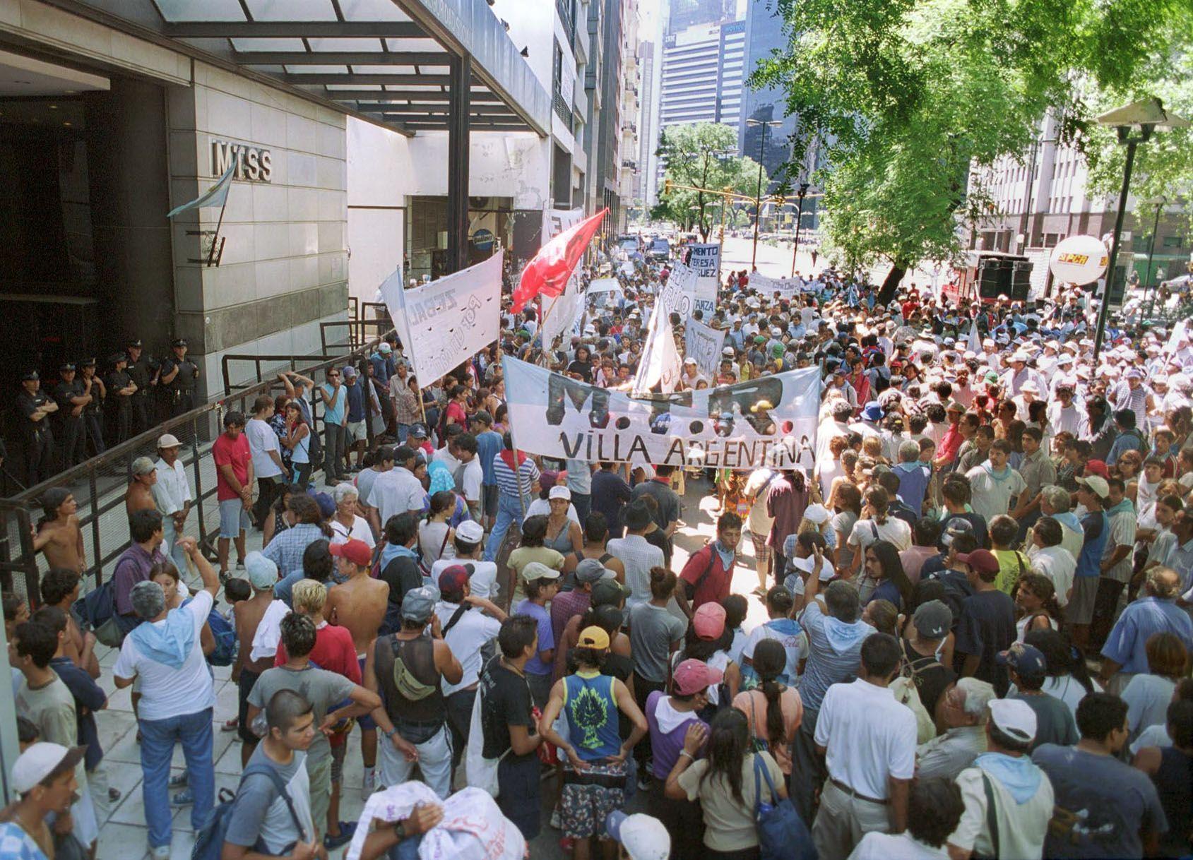 Movimientos sociales reclamaron presupuesto en Trabajo