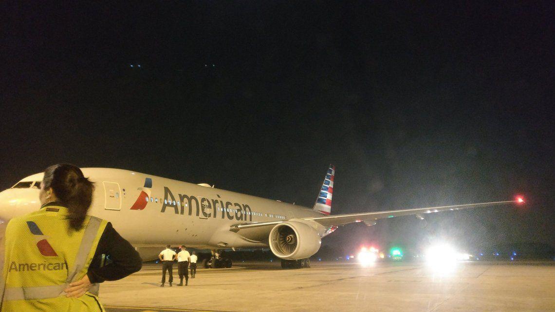 El Boeing 777 de American Airlines que debió volver y aterrizar de emergencia en Ezeiza