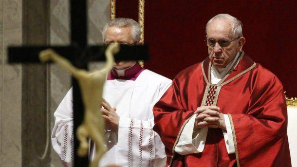 Francisco encabezó también la ceremonia en la Basílica de San Pedro