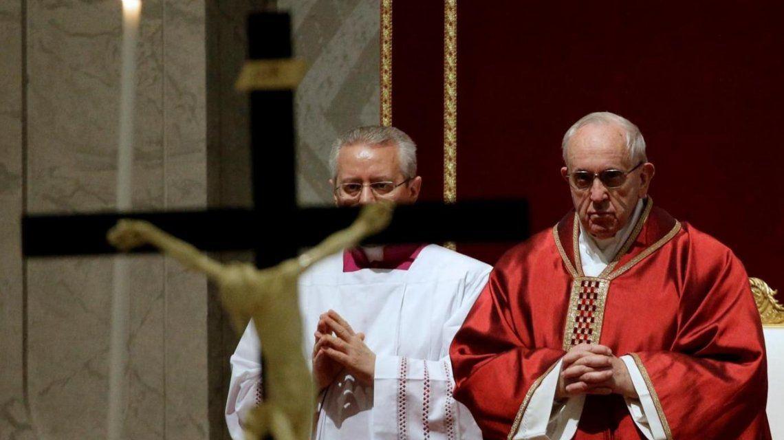 Francisco encabezó por sexta vez el Via Crucis en Roma