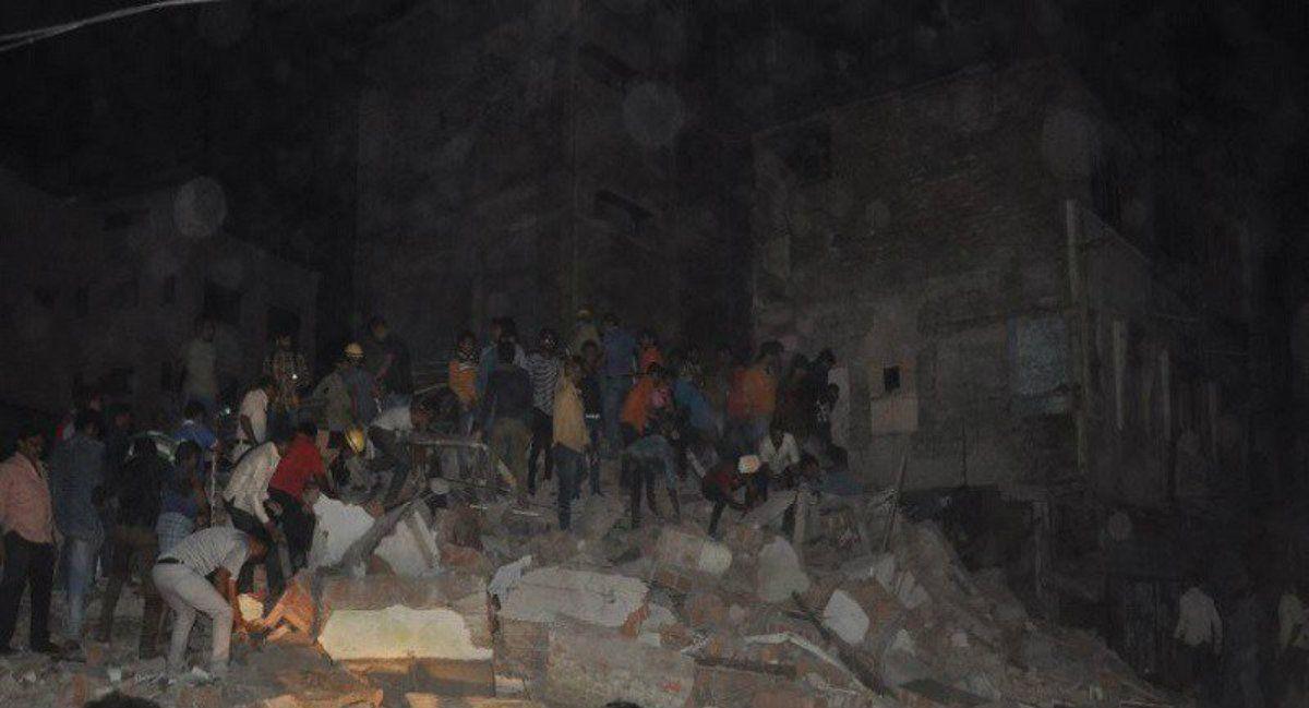 Colapsó el edificio y al menos 24 personas quedaron atrapadas bajo los escombros