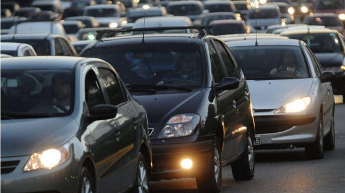 Los vehículos particulares necesitarán permisos para ingresar al macrocentro porteño